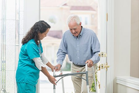 Advantages of Home Care Over Assisted Living